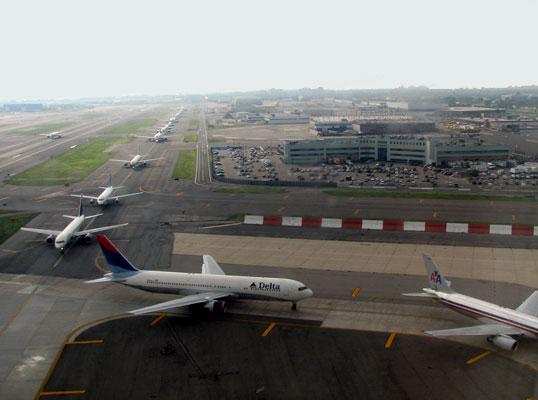 File:Jfk-airport-information.jpg
