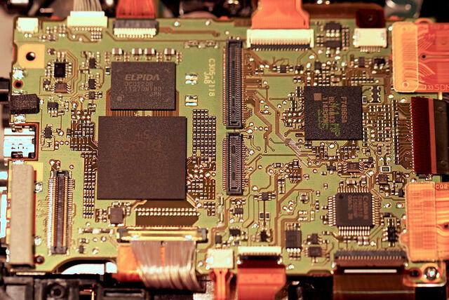 File:5D3 PCB 1.jpg
