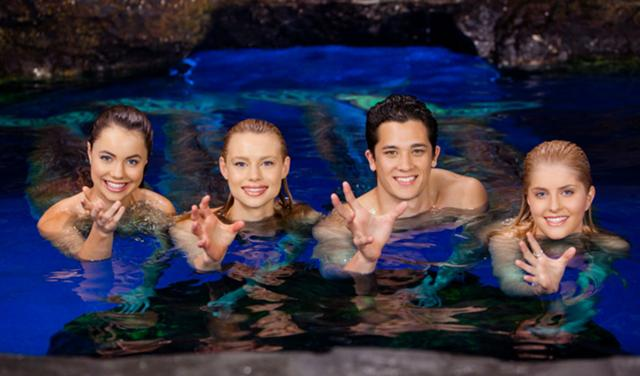 File:640px-Mako Mermaids Power Gestures.jpg