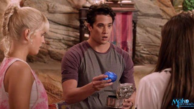 File:Zac giving Trident Stone.JPG