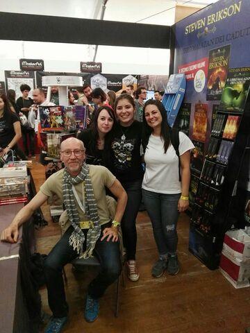 File:SE at Lucca Comics in Italy.jpg