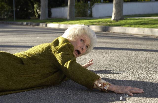 File:Ida Loses a Leg.jpg