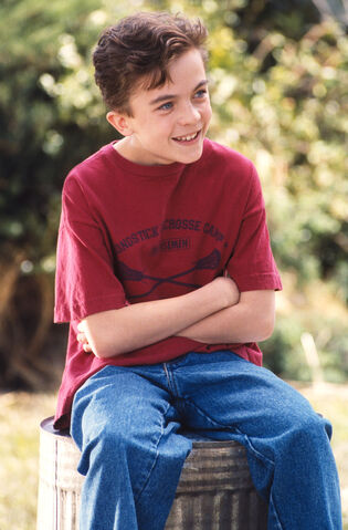 File:Malcolm In the Middle - Set Still - S01E01 (8).jpg
