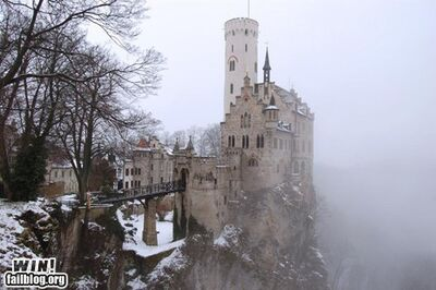 Epic-win-photos-foggy-castle-win