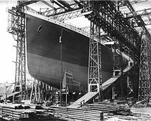 212px-RMS Titanic ready for launch, 1911