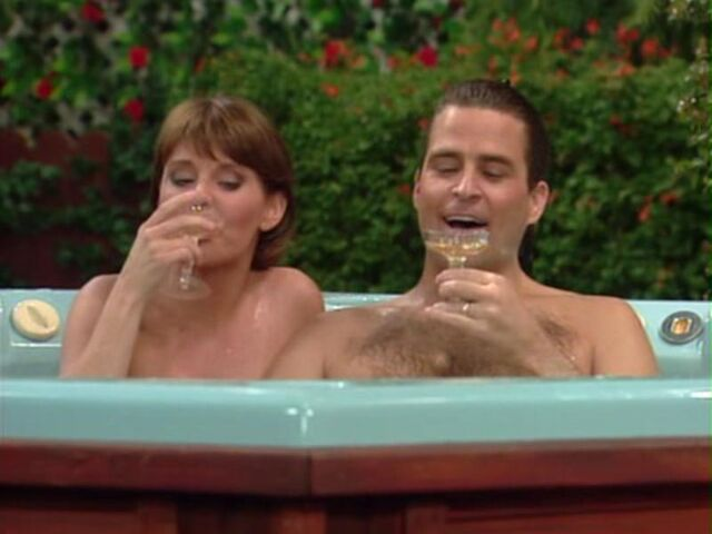 File:Married with children How Green Was My Apple marcy jefferson jacuzzy.jpg