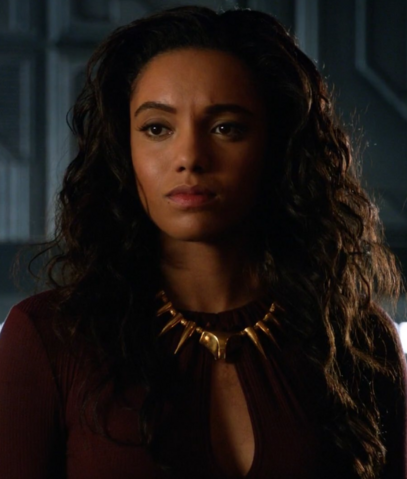 File:Maisie Richardson-Sellers Arrowverse.png