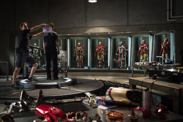 File:Iron Man 3 on-set suits.png