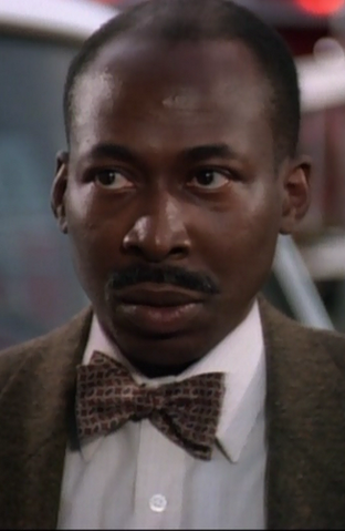 File:William Henderson (Lois & Clark) 002.png