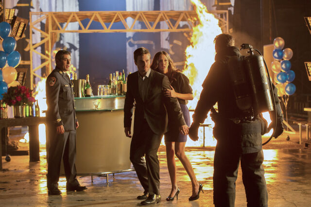 File:Arrow TV Series Episode Burned 001.jpg