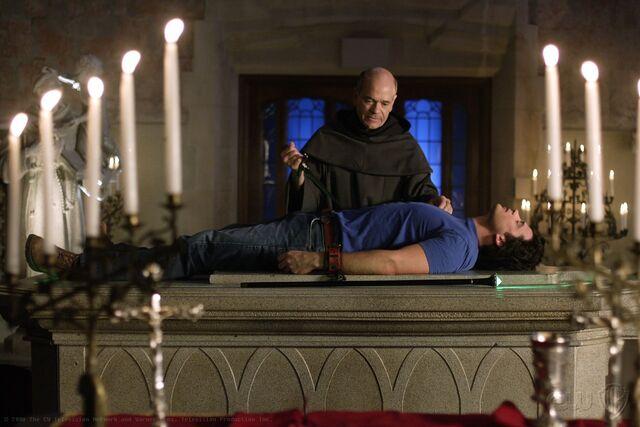 File:Smallville Episode Quest 001.jpg