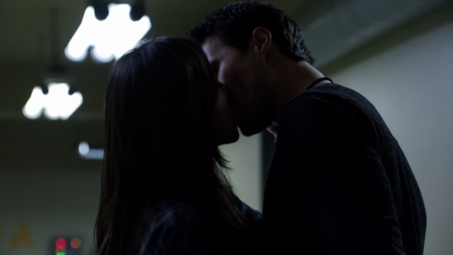 File:Skye Ward kiss.png