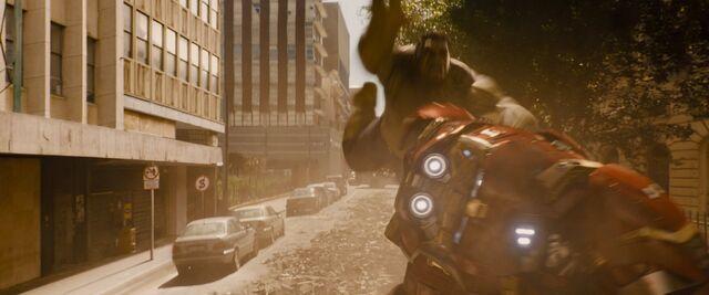 File:Hulkbuster Fight 3.jpg