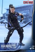 Hawkeye Civil War Hot Toys 8