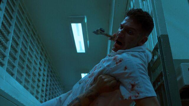 File:Punisher-PrisonFight-HammerTime.jpg