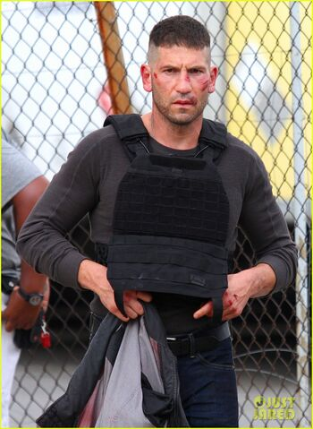 File:Jon-bernthal-cut-up-on-daredevil-set-06.jpg