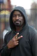 Mike Colter Luke Cage BTS 19