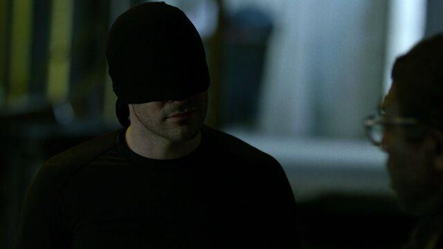File:Daredevil-speaks-to-Ben-Urich-Night.jpg
