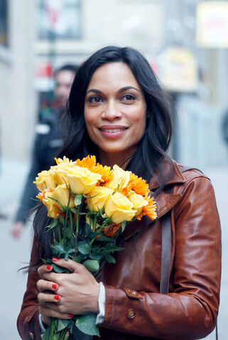 File:Claire Flowers 2.jpg