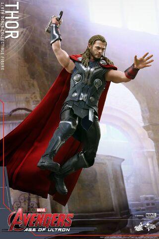 File:Thor AOU Hot Toys 5.jpg