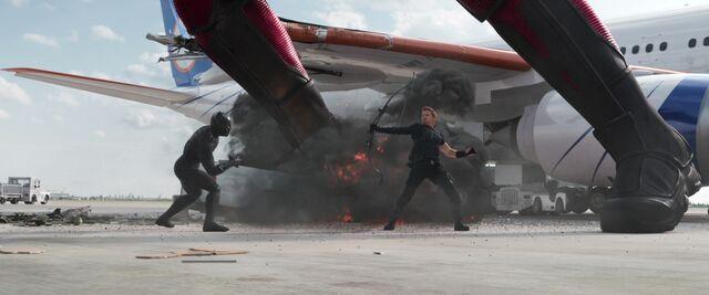 File:Hawkeye Civil War10.jpg