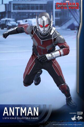 File:Ant-Man Civil War Hot Toys 2.jpg