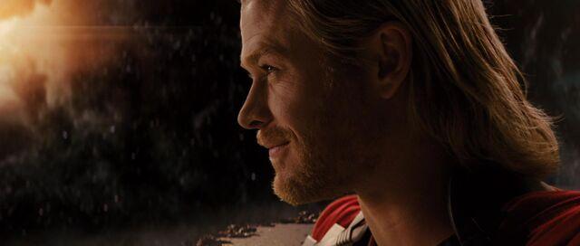 File:Thor-Ending-Overlooking-Nine-Relams.jpg