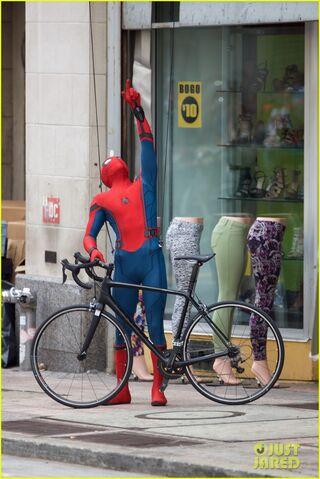 File:Spider-man-swings-into-action-on-set-16.jpg