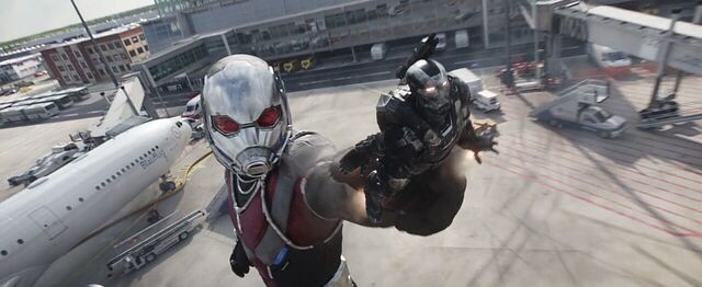 File:Giant-Man War Machine Captain America Civil War.jpg