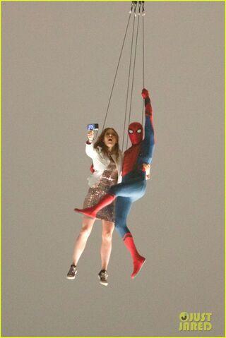 File:Spider-man-stunt-doubles-helicopter-scene-06.jpg
