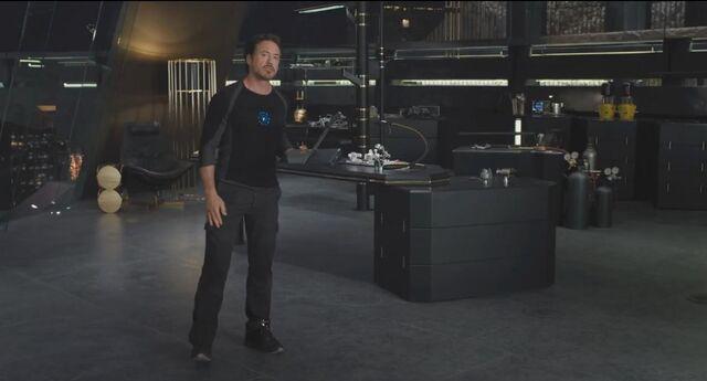 File:Tony Stark Avengers 02.jpg
