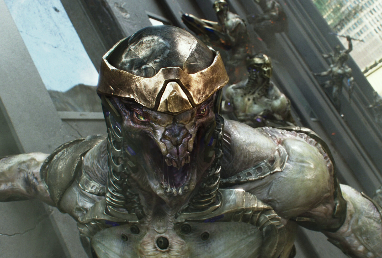 http://vignette4.wikia.nocookie.net/marvelmovies/images/6/67/Chitauri-Avengers.png/revision/latest?cb=20131122025410