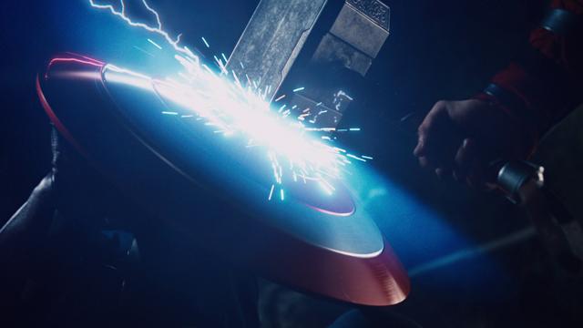File:MjolnirVsVibranium-Avengers.png
