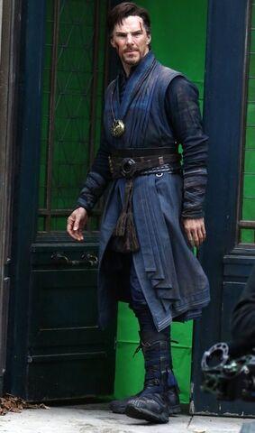 File:Doctor Strange Filming 72.jpg