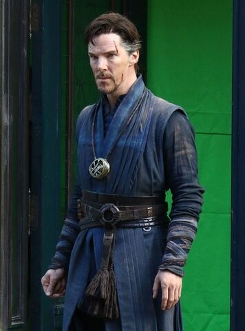 File:Doctor Strange Filming 63.jpg