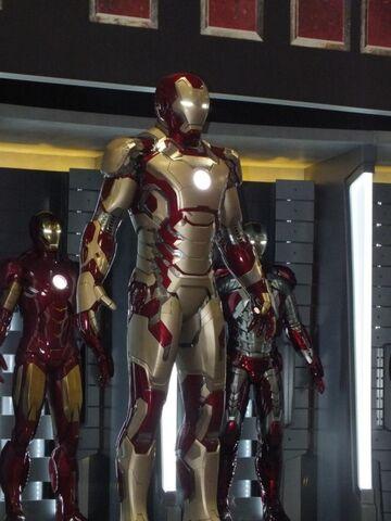 File:Iron-Man-3-Armor-04.jpg
