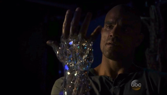 File:Agents of SHIELD S02E02 Heavy is the Head 03.png