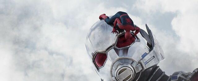 File:Spider-Man Giant-Man 2 Captain America Civil War.jpg