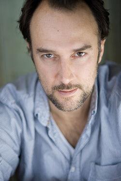 Carlos Leal