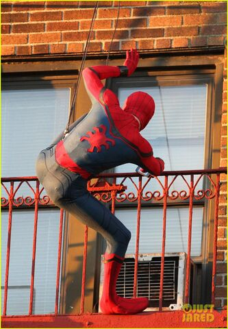 File:Tom-holland-performs-his-own-spider-man-stunts-on-nyc-fire-escape-03.jpg