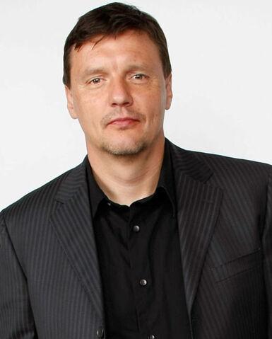File:Ilia Volok.jpg