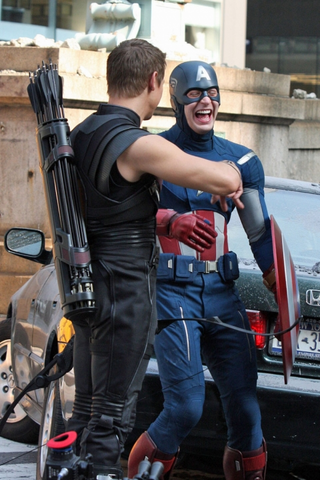 File:Chris Evans and Jermey Renner on Set.png