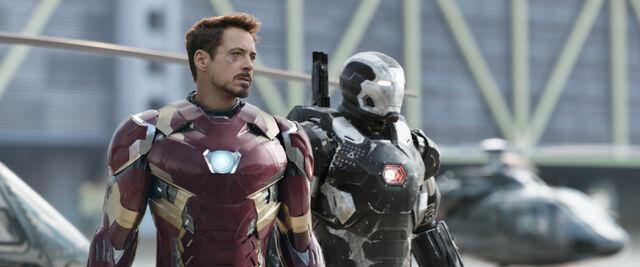 File:Captain America Civil War Official Promo 01.jpg