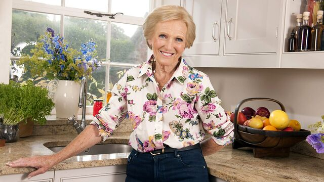 File:Mary berry cooks.jpg