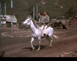 MASH episode-3x8-Hawk and Trapper Horseback
