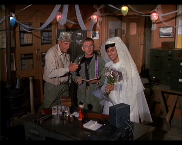File:MASH episode-3x6-Springtime - Klinger Getting Married in dress With Henry and Mulcahy.png