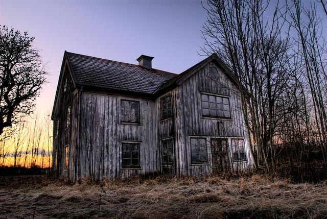 File:Ghosthouse.jpg