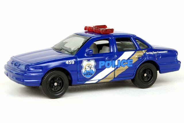 File:Ford Crown Victoria Police - 8472ef.jpg