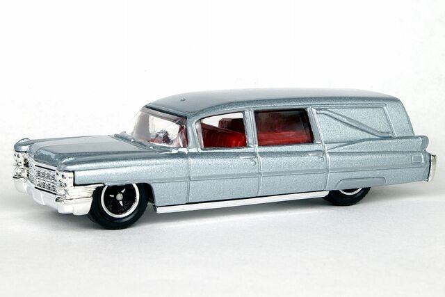 File:Silver 1963 Cadillac Hearse - B6631df.jpg