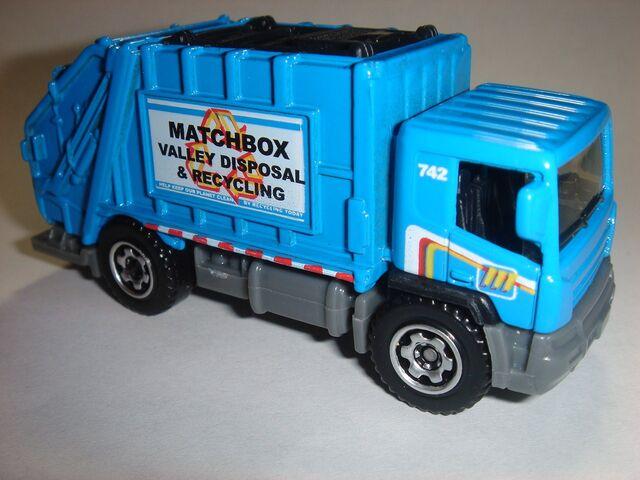 File:MBX Garbage Truck.JPG